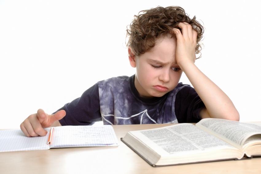 BambinoLibroSmall 6 modi per attenuare il perfezionismo dei propri figli