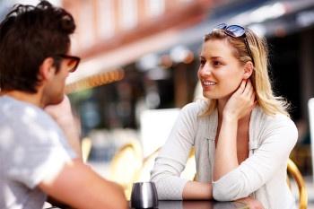 Di-Cosa-Parlare-con-una-Ragazza-10-Argomenti-di-Conversazione-a-Prova-di-Bomba Psicologia della scelta: 10 spunti strategici per prendere una decisione